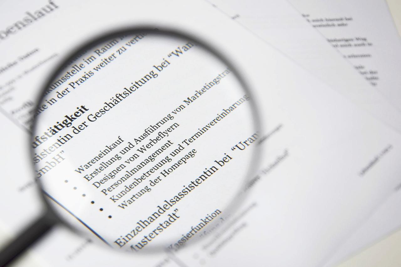 英語の職務経歴書(CV)、レジュメの書き方のポイントについて解説